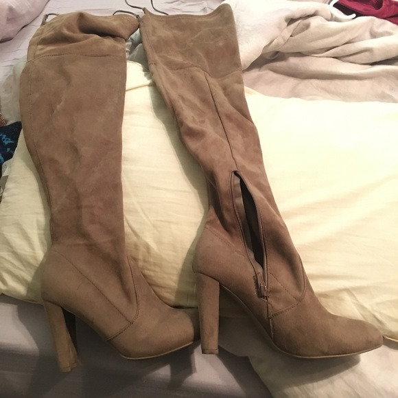 7f8e7bafa5 thigh high boots. M 5afba7183b160876d33e247e